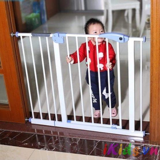 Thanh chặn cửa, thanh chặn cầu thang tự động đóng cửa khi ra vào